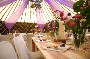 Verdigris_lilac-purple-fabric-drapes_yurt_tent-wedding_country-garden-theme