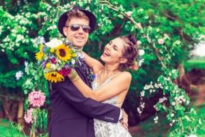 vintage-festival-wedding21-576x384