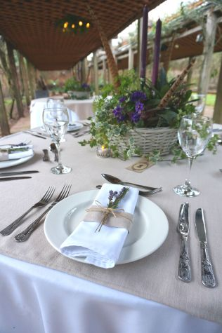 wedding-at-maunsel-house-purple-candles-winter-styling-design