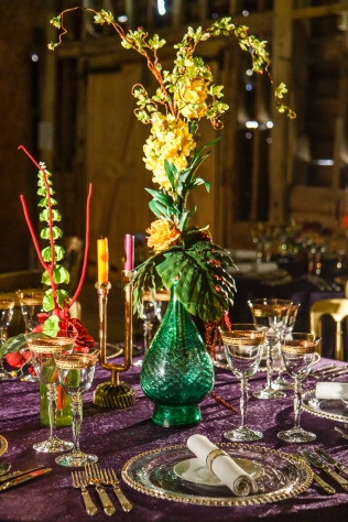 wedding-luxurious-couvert-crockery-glass-chargers