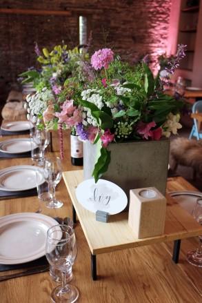 Tablescape Flowers Closeup