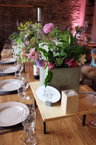 Tablescape Flowers Closeup